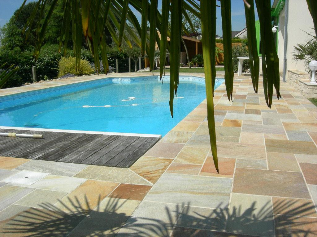 Carrelage bord piscine excellent piscine carrele with for Carrelage piscine